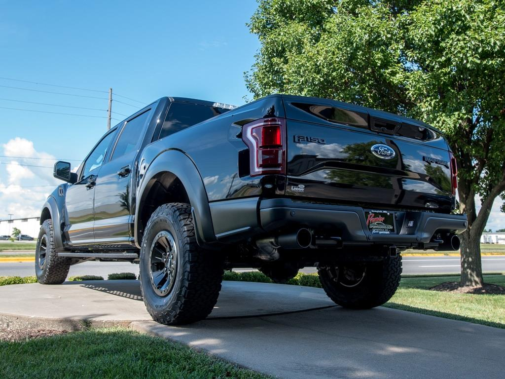 2017 Ford F-150 Raptor - Photo 7 - Springfield, MO 65802