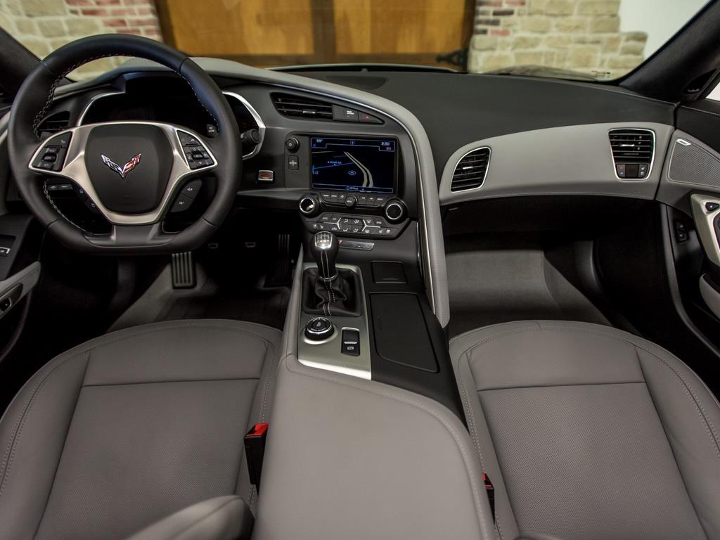 2016 Chevrolet Corvette Stingray Z51 - Photo 2 - Springfield, MO 65802