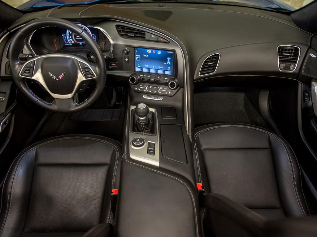 2015 Chevrolet Corvette Z51 3LT Convertible - Photo 2 - Springfield, MO 65802