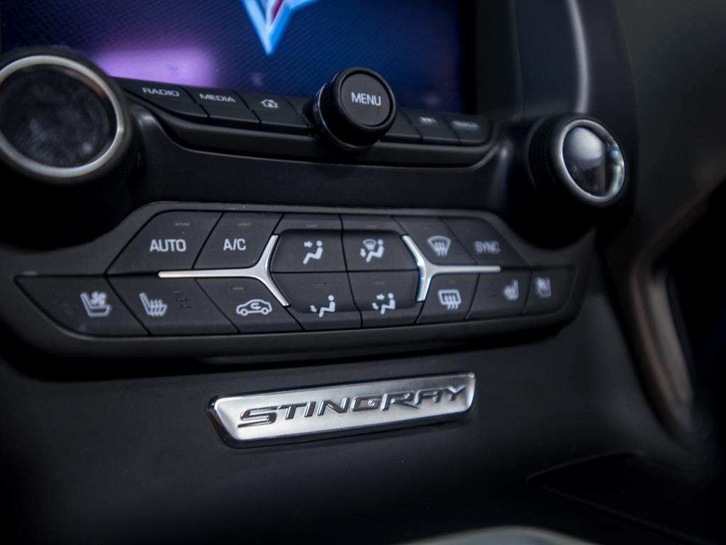 2015 Chevrolet Corvette Z51 3LT Convertible - Photo 18 - Springfield, MO 65802