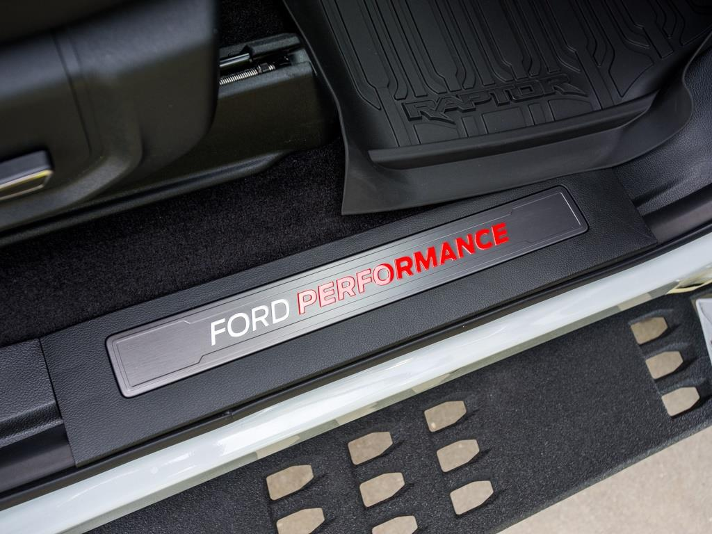 2017 Ford F-150 Raptor - Photo 25 - Springfield, MO 65802