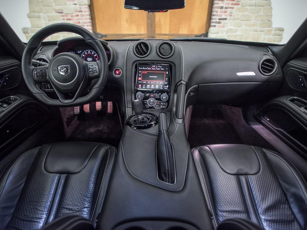 2014 Dodge SRT Viper GTS - Photo 2 - Springfield, MO 65802
