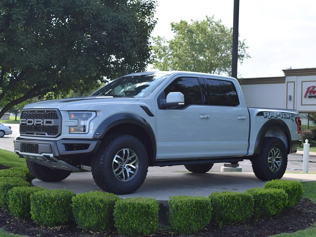 2017 Ford F-150 Raptor - Photo 1 - Springfield, MO 65802