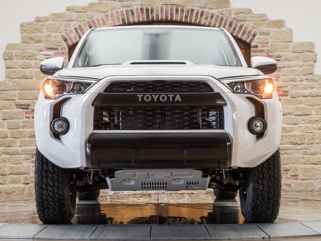 2017 Toyota 4Runner TRD Pro - Photo 5 - Springfield, MO 65802