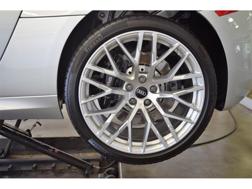 2014 Audi R8 5.2 quattro - Photo 41 - Springfield, MO 65802