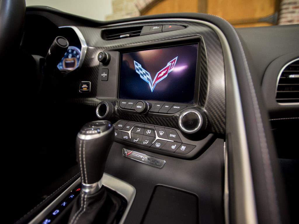 2015 Chevrolet Corvette Stingray Z51 - Photo 12 - Springfield, MO 65802
