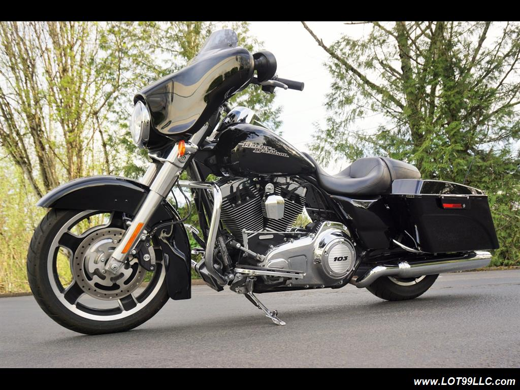 "2012 Harley-Davidson Custom Street Glide Bagger 103 "" - Photo 2 - Milwaukie, OR 97267"