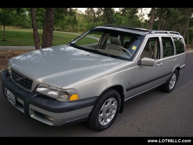 2000 Volvo V70 CROSS COUNTRY AWD SE,BRAND NEW TIRES. - Photo 2 - Milwaukie, OR 97267
