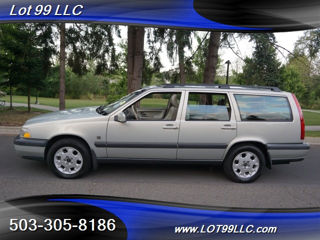 2000 Volvo V70 CROSS COUNTRY AWD SE,BRAND NEW TIRES. - Photo 1 - Milwaukie, OR 97267