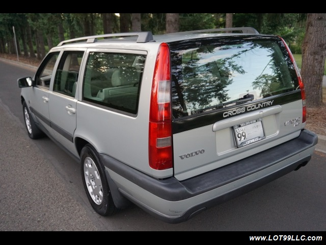 2000 Volvo V70 CROSS COUNTRY AWD SE,BRAND NEW TIRES. - Photo 8 - Milwaukie, OR 97267