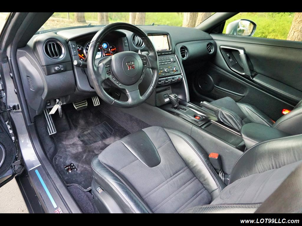2013 Nissan GT-R Premium AWD 1 Owner Local Car. - Photo 9 - Milwaukie, OR 97267