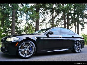 2013 BMW M5 560 HP Twin Turbo Black On Black Loaded. Sedan