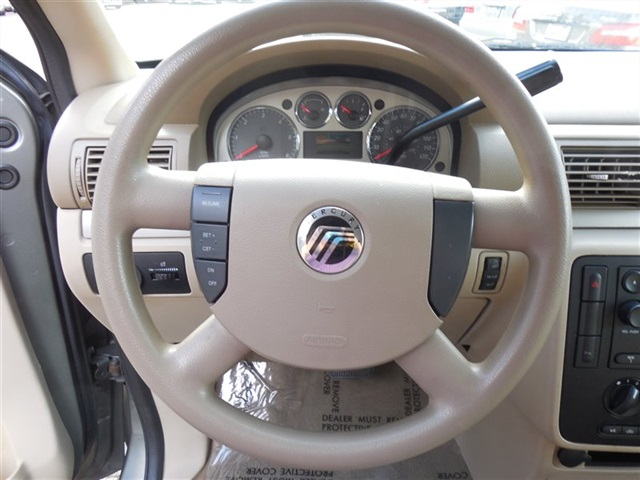 2005 Mercury Monterey - Photo 10 - Lynnwood, WA 98036
