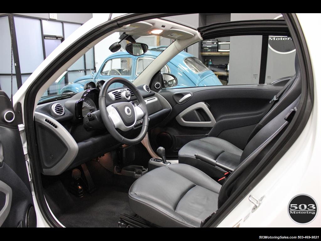 2014 Smart fortwo passion electric cabriolet; White/Black w/ 11k! - Photo 27 - Beaverton, OR 97005