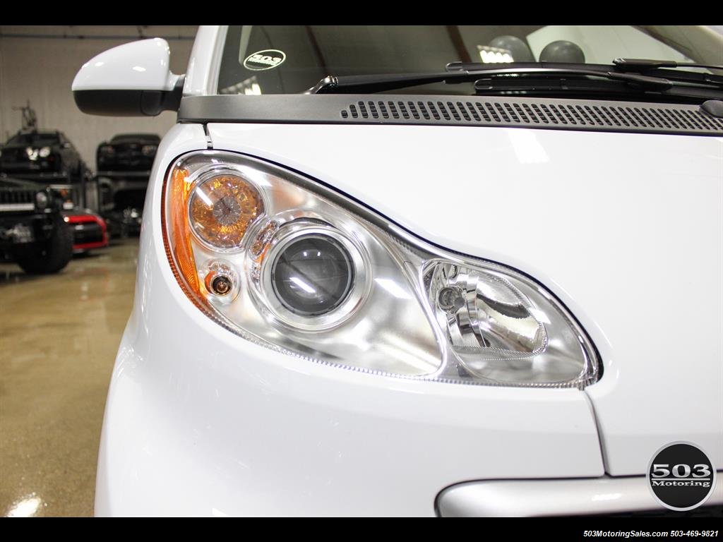 2014 Smart fortwo passion electric cabriolet; White/Black w/ 11k! - Photo 14 - Beaverton, OR 97005