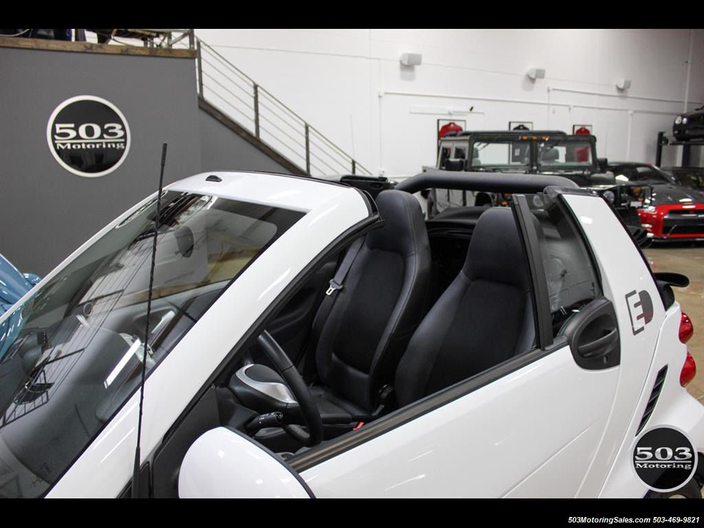 2014 Smart fortwo passion electric cabriolet; White/Black w/ 11k! - Photo 10 - Beaverton, OR 97005