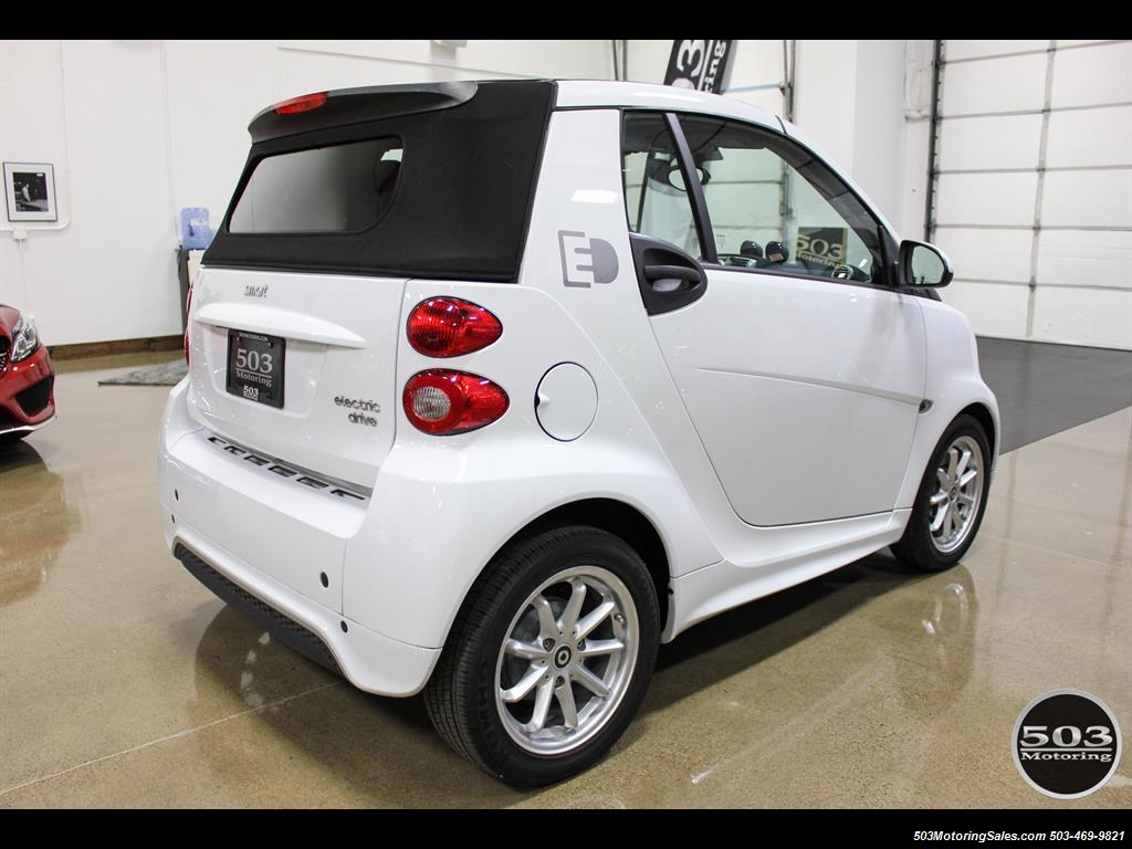 2014 Smart fortwo passion electric cabriolet; White/Black w/ 11k! - Photo 5 - Beaverton, OR 97005