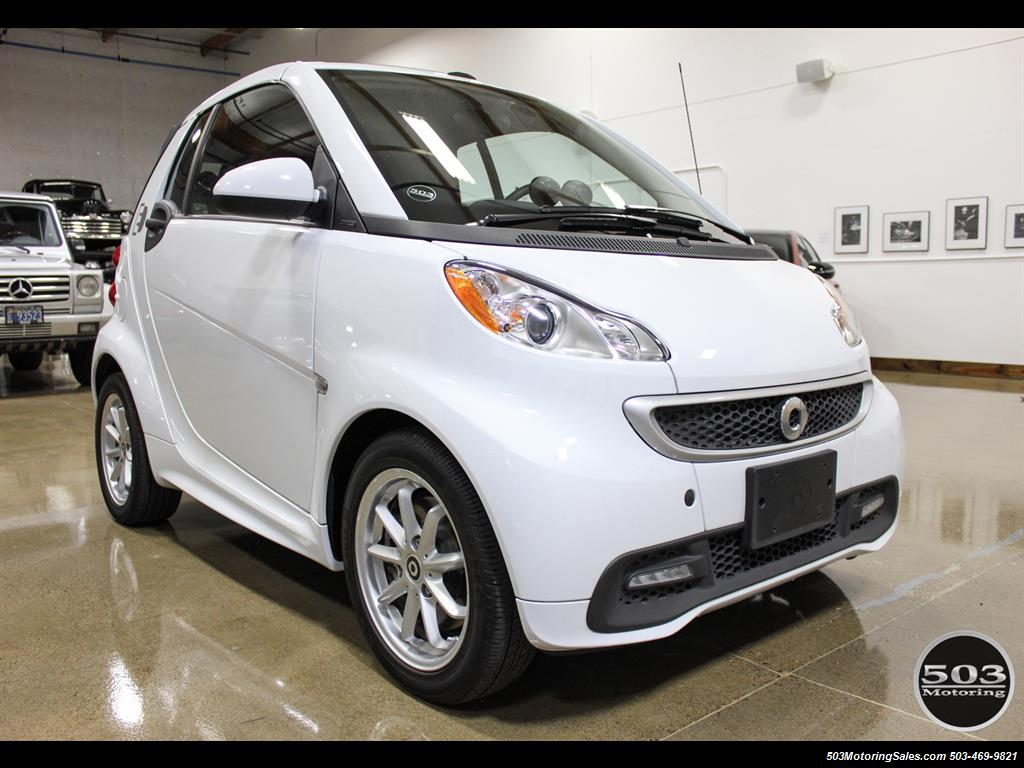 2014 smart fortwo passion electric cabriolet white black w 11k. Black Bedroom Furniture Sets. Home Design Ideas