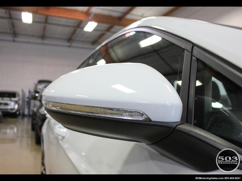 2017 Volkswagen Golf GTI SE; White/Black w/ Only 2k Miles! - Photo 12 - Beaverton, OR 97005