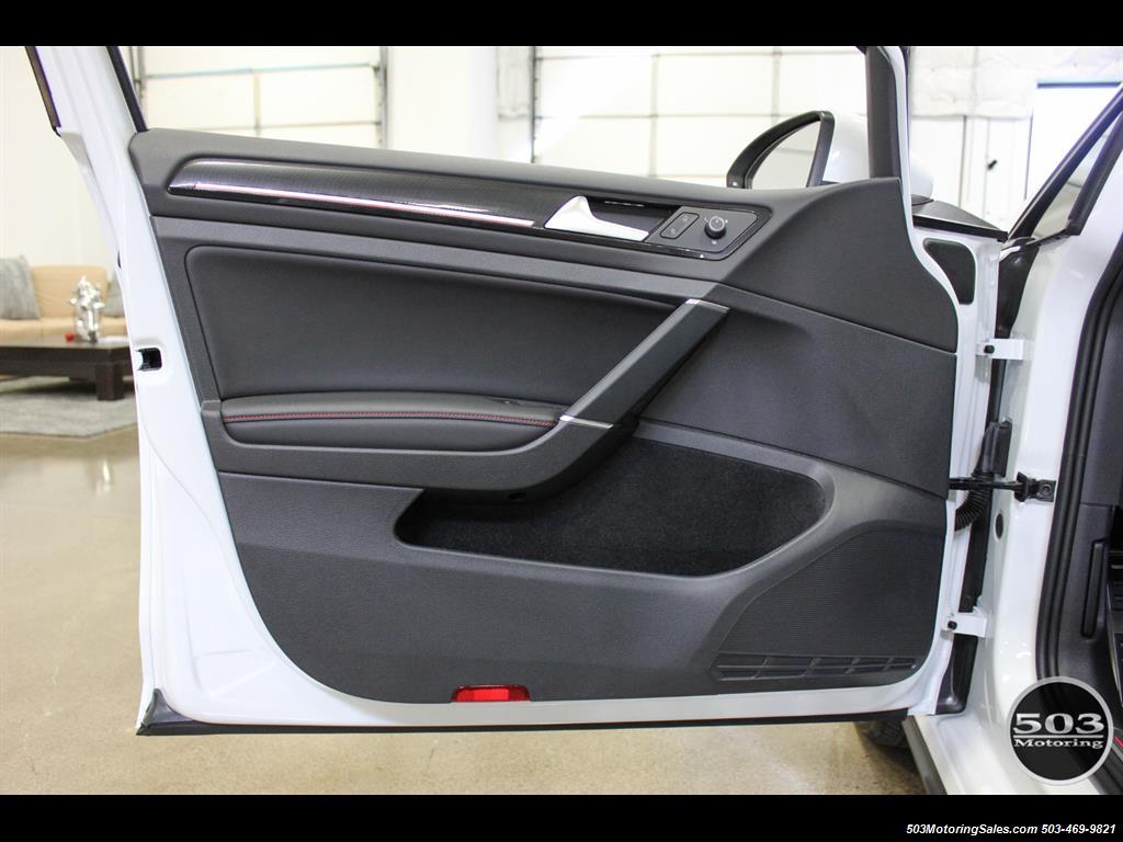 2017 Volkswagen Golf GTI SE; White/Black w/ Only 2k Miles! - Photo 34 - Beaverton, OR 97005