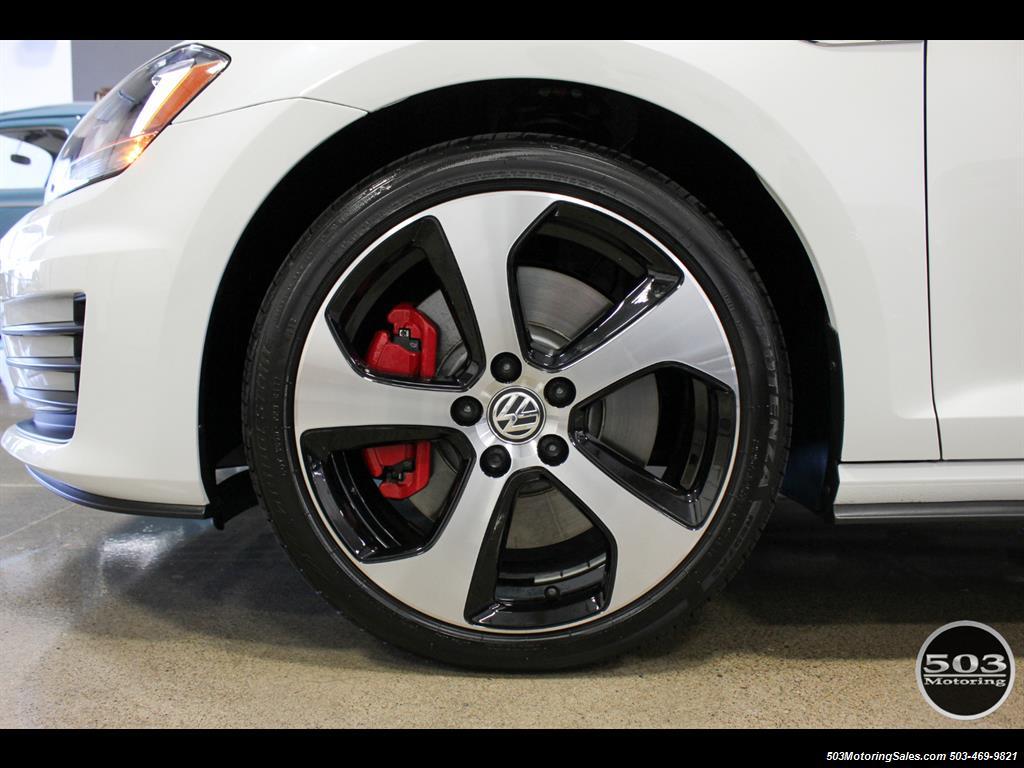 2017 Volkswagen Golf GTI SE; White/Black w/ Only 2k Miles! - Photo 21 - Beaverton, OR 97005