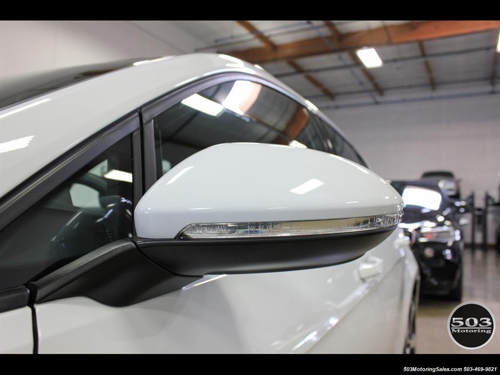 2017 Volkswagen Golf GTI SE; White/Black w/ Only 2k Miles! - Photo 13 - Beaverton, OR 97005