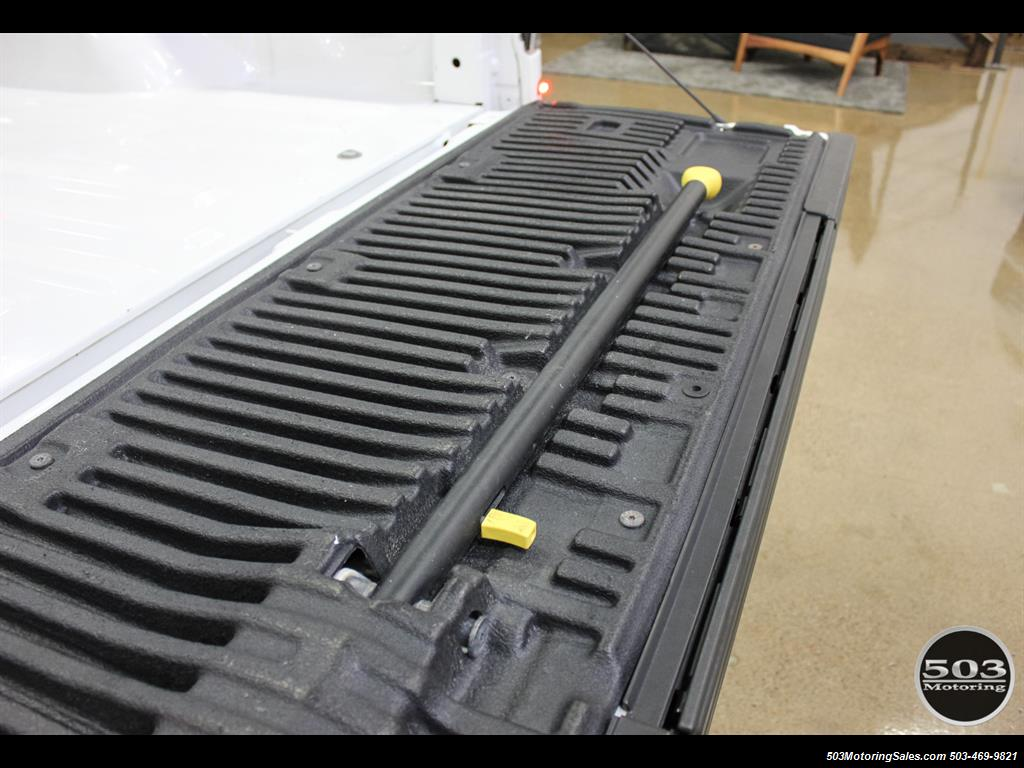 2010 Ford F-150 SVT Raptor; White/Black w/ Only 17k Miles! - Photo 51 - Beaverton, OR 97005