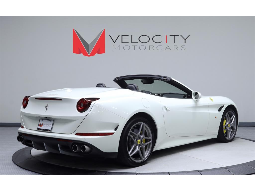 2015 Ferrari California T - Photo 4 - Nashville, TN 37217