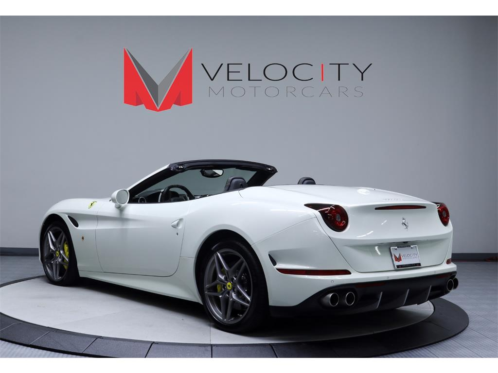 2015 Ferrari California T - Photo 3 - Nashville, TN 37217