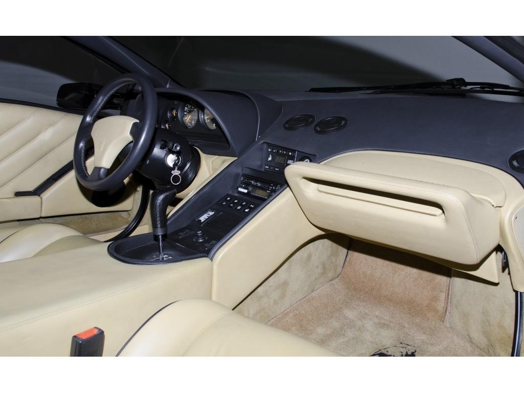 1994 Lamborghini Diablo VT - Photo 39 - Nashville, TN 37217