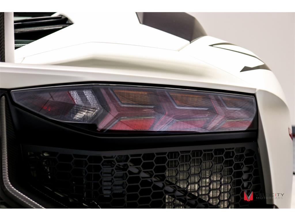 2017 Lamborghini Aventador LP 750-4 SV Roadster - Photo 39 - Nashville, TN 37217