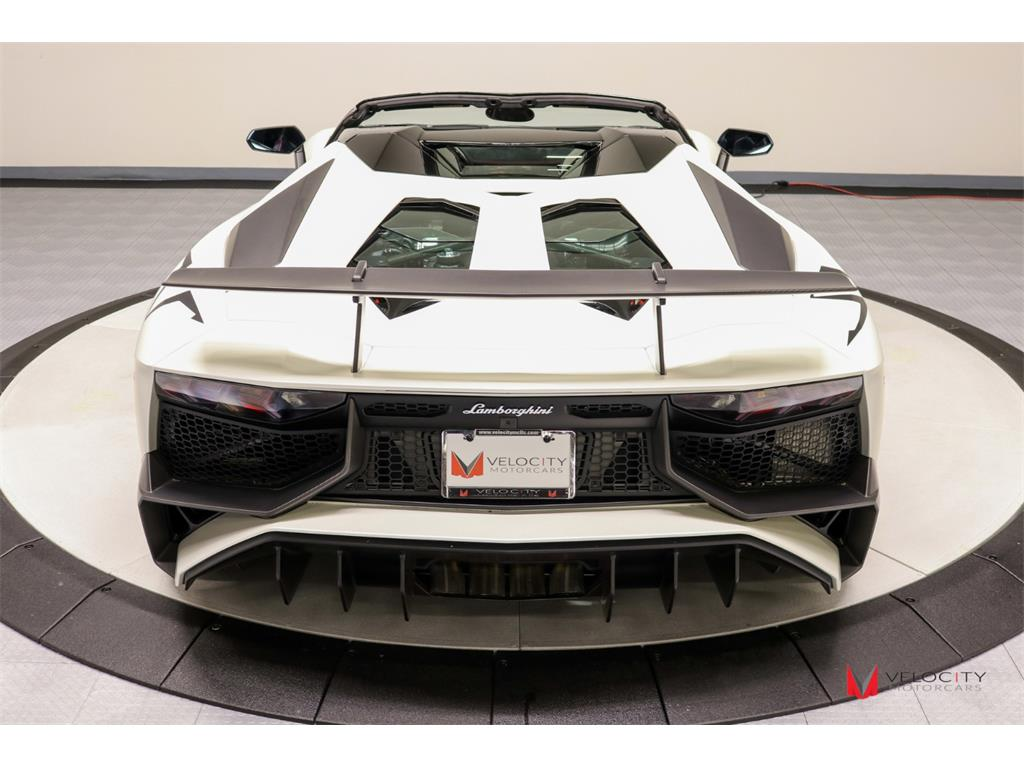 2017 Lamborghini Aventador LP 750-4 SV Roadster - Photo 38 - Nashville, TN 37217