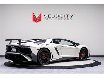 2017 Lamborghini Aventador LP 750-4 SV Roadster - Photo 4 - Nashville, TN 37217