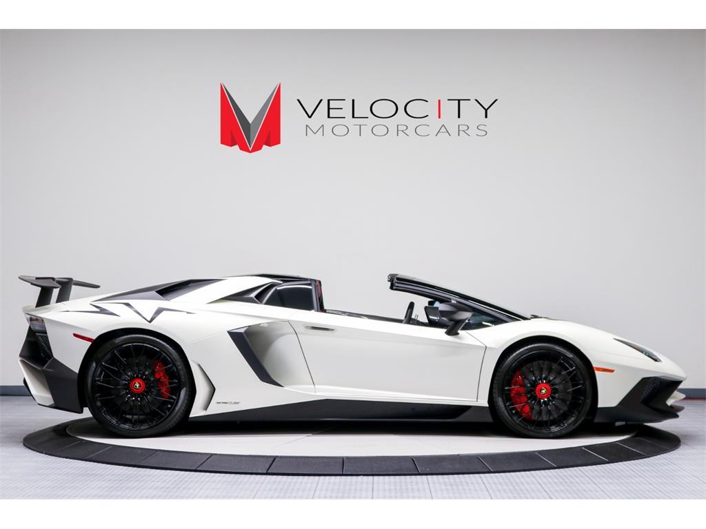 2017 Lamborghini Aventador LP 750-4 SV Roadster - Photo 5 - Nashville, TN 37217