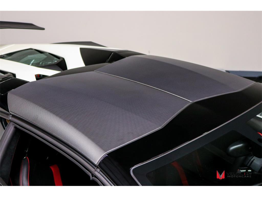 2017 Lamborghini Aventador LP 750-4 SV Roadster - Photo 52 - Nashville, TN 37217