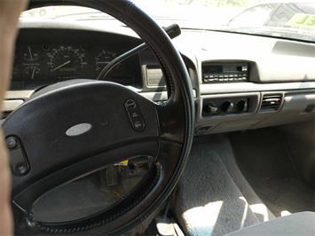 1995 Ford F-250 XL 2dr XL - Photo 7 - Topeka, KS 66609